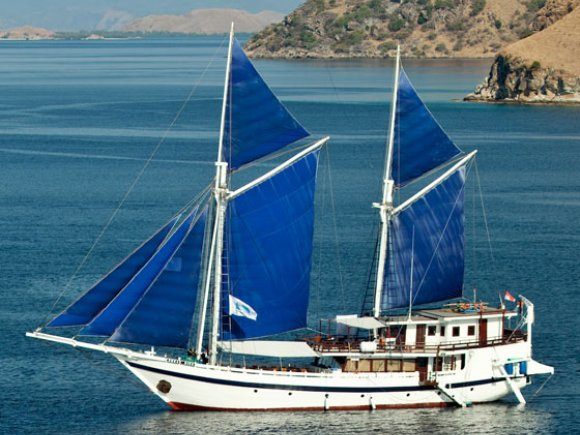 Komodo Dancer Sail